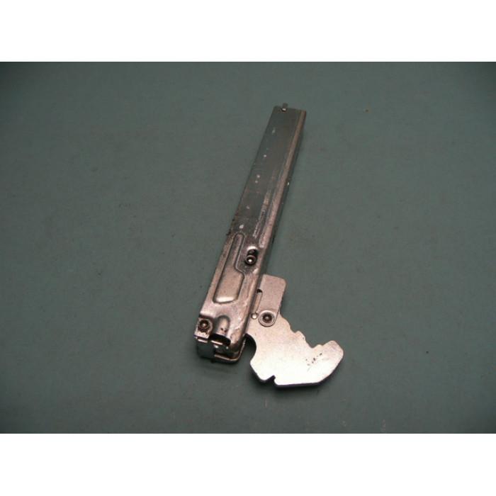 Завіса, петля дверей духової шафи Kaiser 8042001